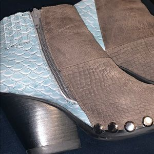 Baby blue scale booties with studs 7.5 high qualit